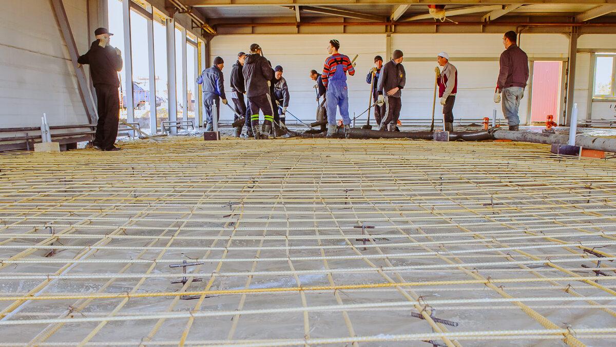 O vergalhão é um material usado com frequência na construção civil, servindo para a produção de armadura de concreto.